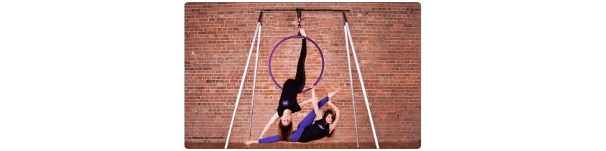 Equipo de acrobacias aéreas, telas, aros ...
